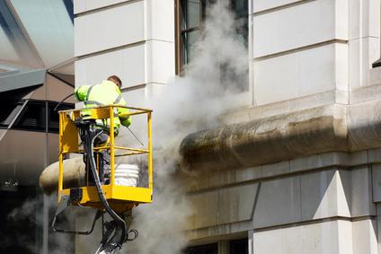 Quels travaux sont nécessaires pour la façade d'un batiment ?